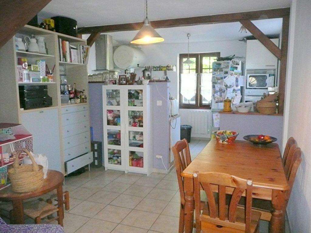 Achat Appartement 4 pièces à Auvers-Saint-Georges - vignette-2