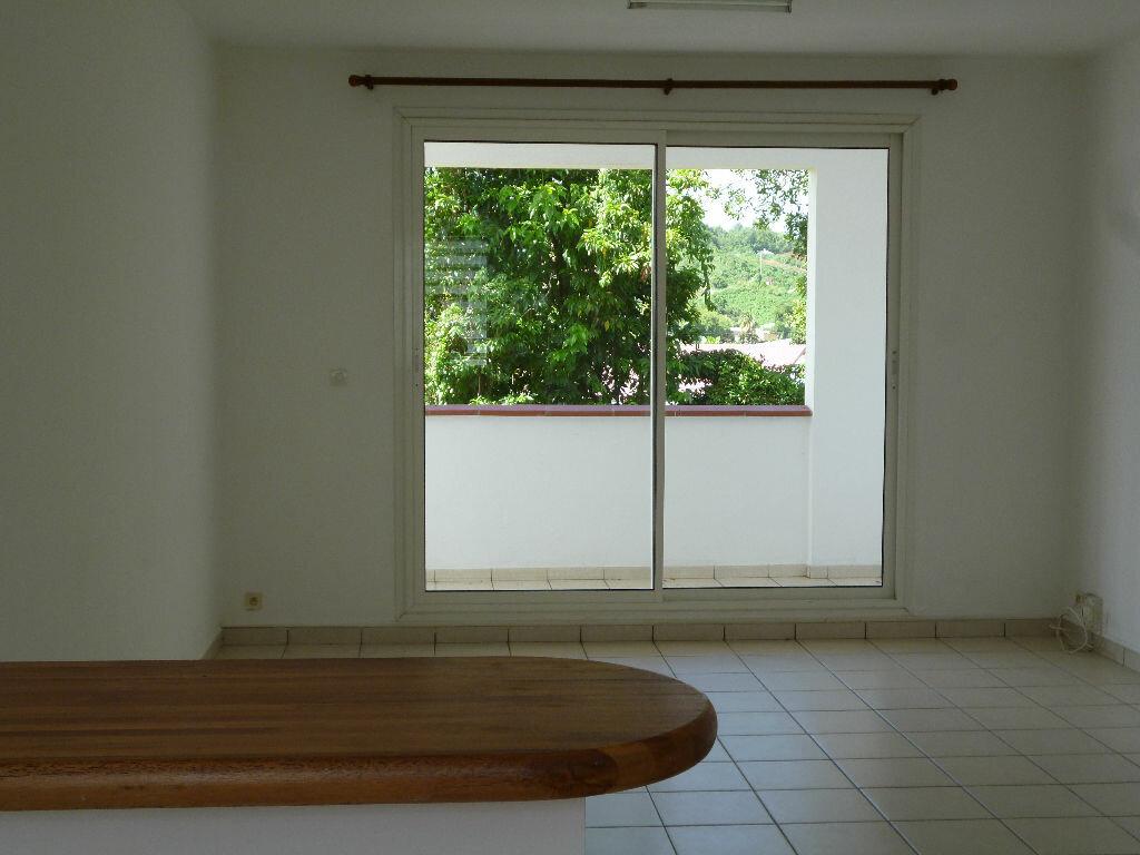 Location Appartement 3 pièces à Le Lamentin - vignette-1