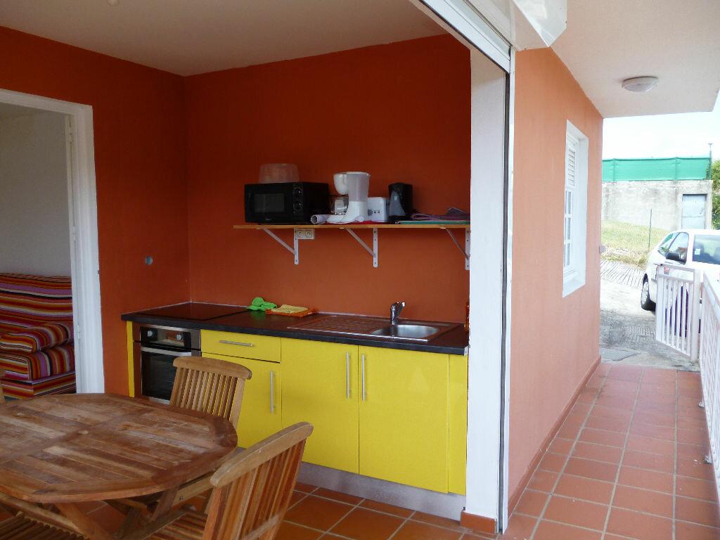 Location Appartement 2 pièces à Sainte-Anne - vignette-1