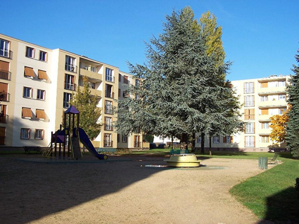 Achat Appartement 3 pièces à Claye-Souilly - vignette-1