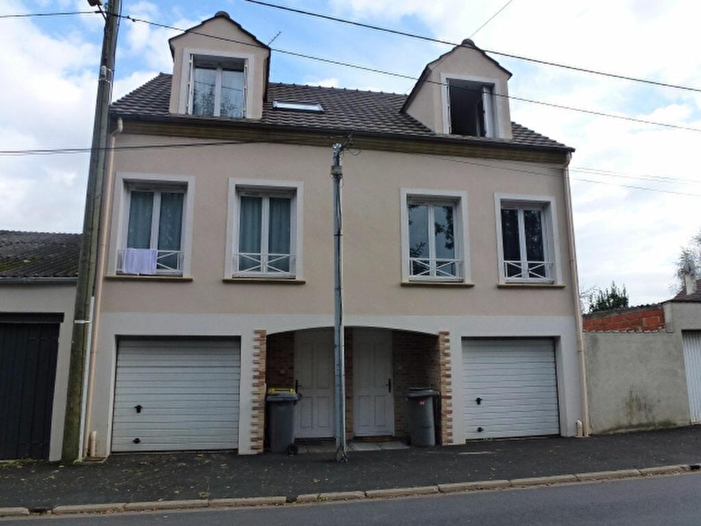 Location Maison 4 pièces à Claye-Souilly - vignette-1