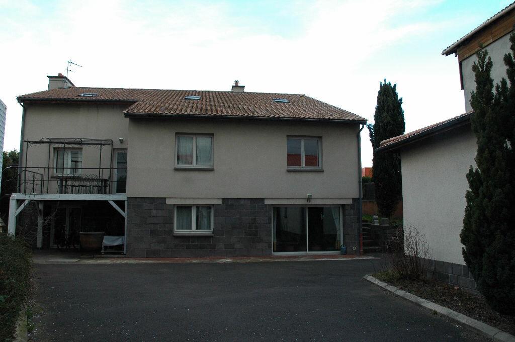 Achat Maison 10 pièces à Clermont-Ferrand - vignette-1