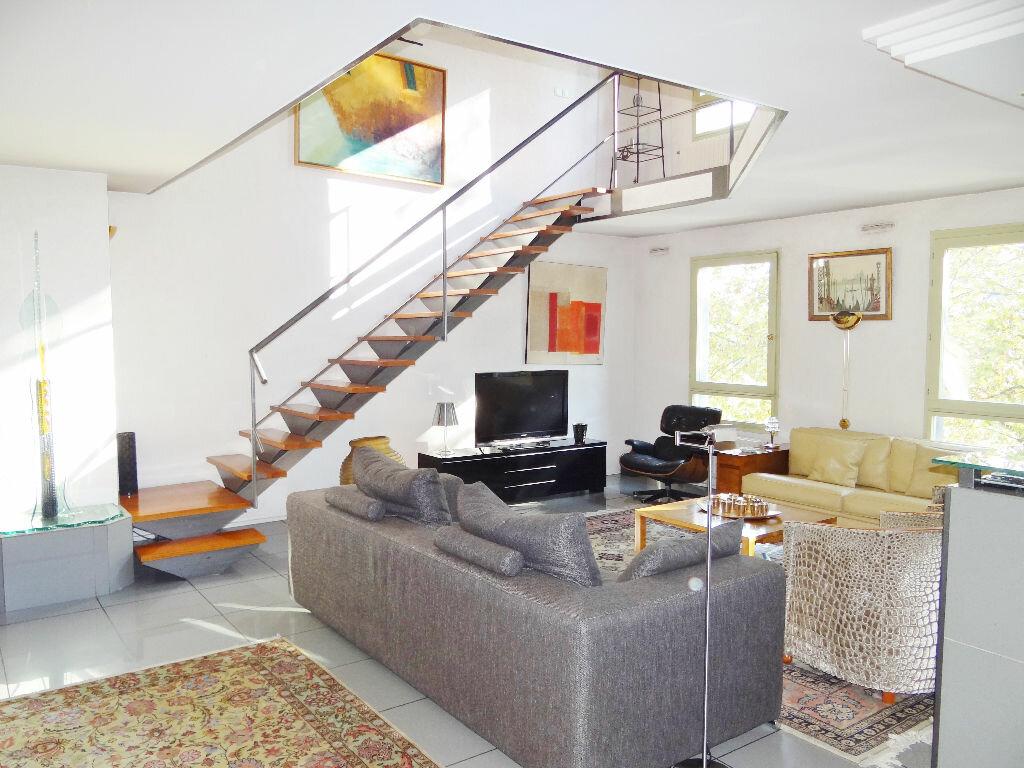 Achat Appartement 6 pièces à Lyon 4 - vignette-2