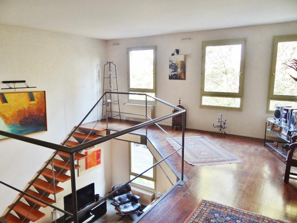 Achat Appartement 6 pièces à Lyon 4 - vignette-4