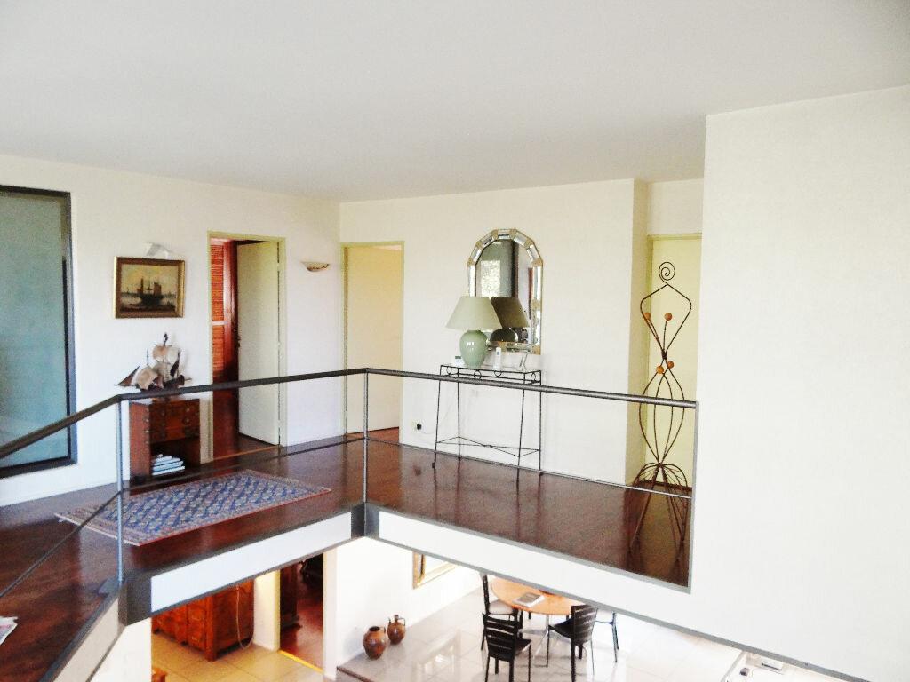 Achat Appartement 6 pièces à Lyon 4 - vignette-12
