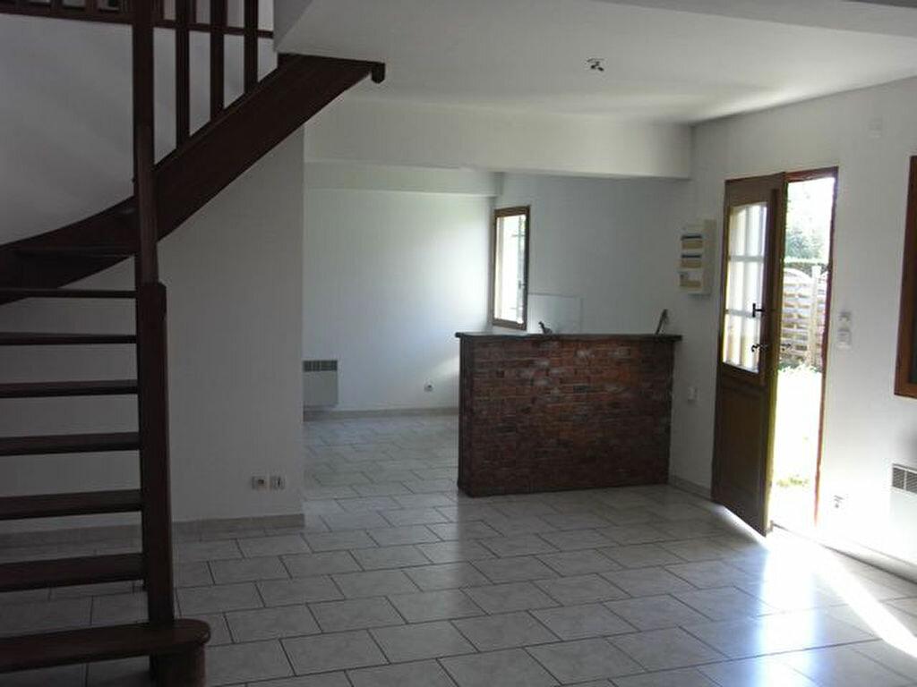 Location Maison 4 pièces à Bouquetot - vignette-1