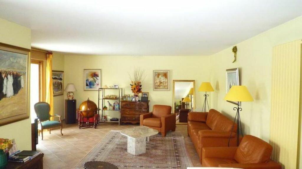Achat Maison 7 pièces à La Celle-les-Bordes - vignette-3