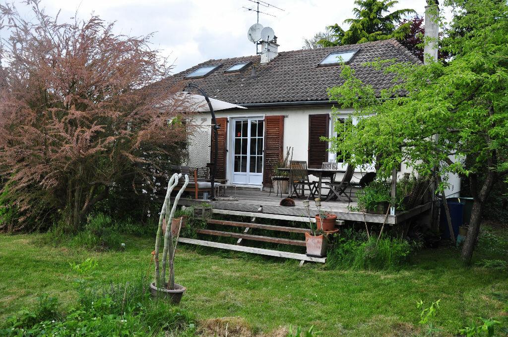 Achat Maison 5 pièces à Saint-Cyr-sous-Dourdan - vignette-1