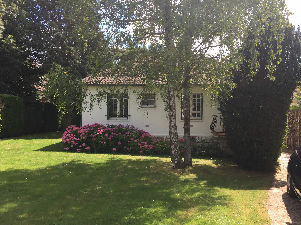 Achat Maison 5 pièces à Saint-Arnoult-en-Yvelines - vignette-1