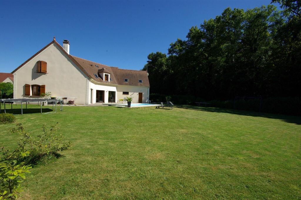 Achat Maison 9 pièces à Saint-Maurice-Montcouronne - vignette-1