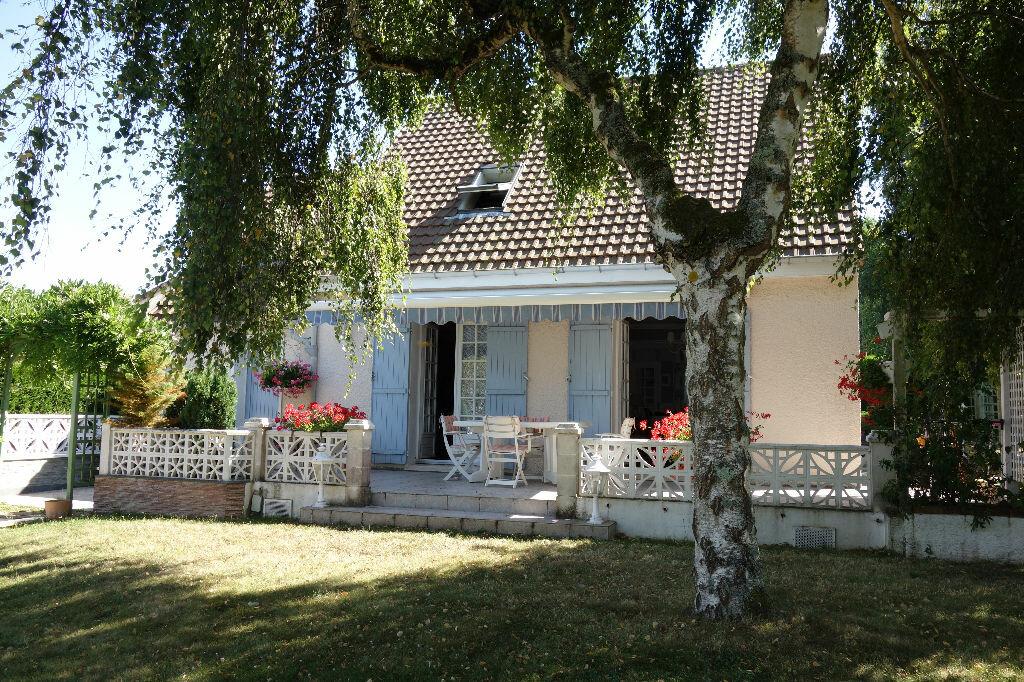 Achat Maison 4 pièces à Saint-Arnoult-en-Yvelines - vignette-1