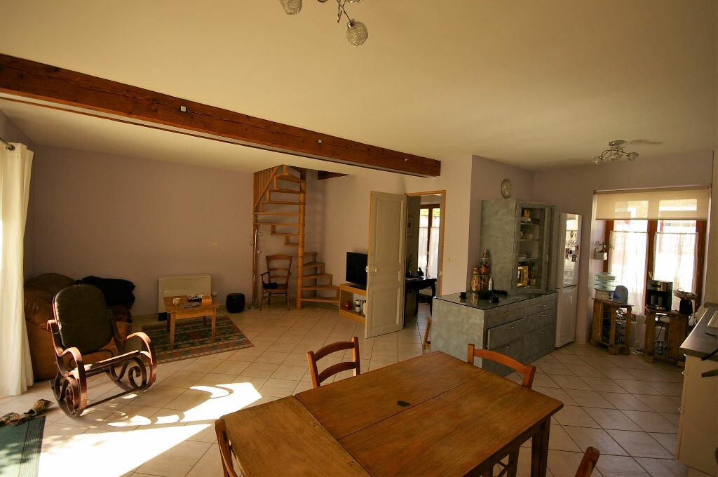 Achat Maison 4 pièces à La Celle-les-Bordes - vignette-3