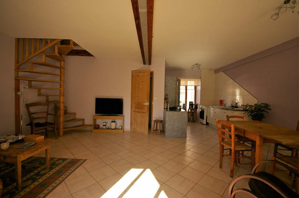 Achat Maison 4 pièces à La Celle-les-Bordes - vignette-8