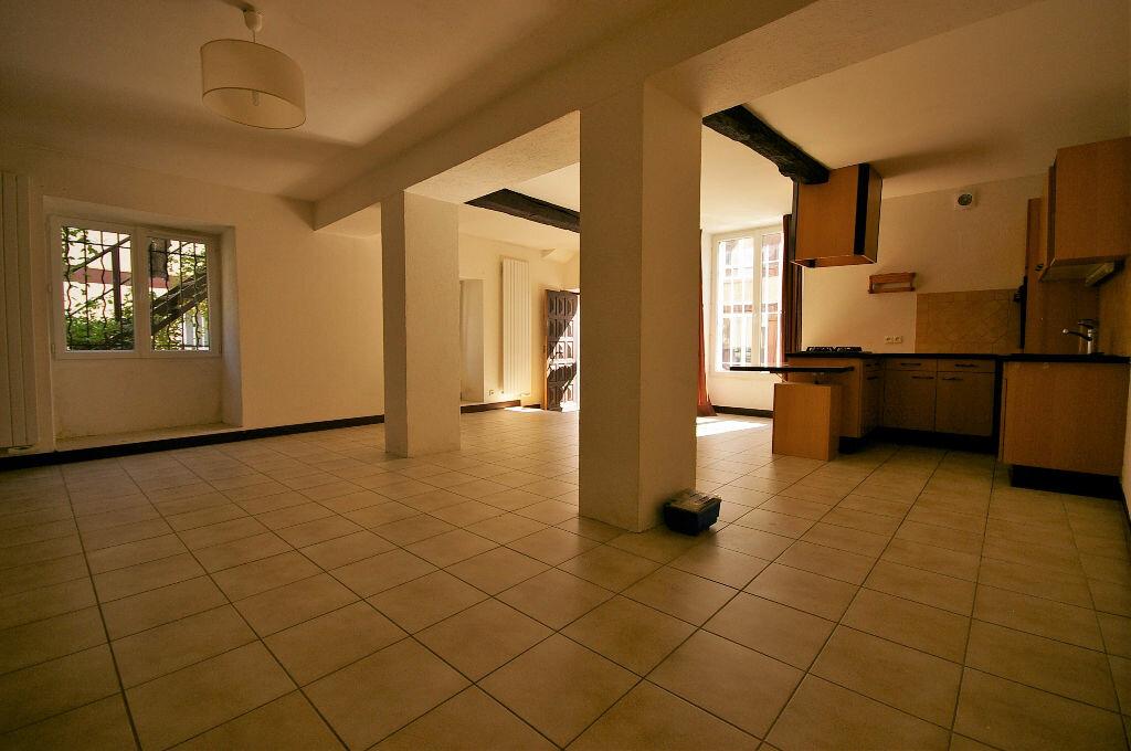 Achat Appartement 2 pièces à Saint-Arnoult-en-Yvelines - vignette-2