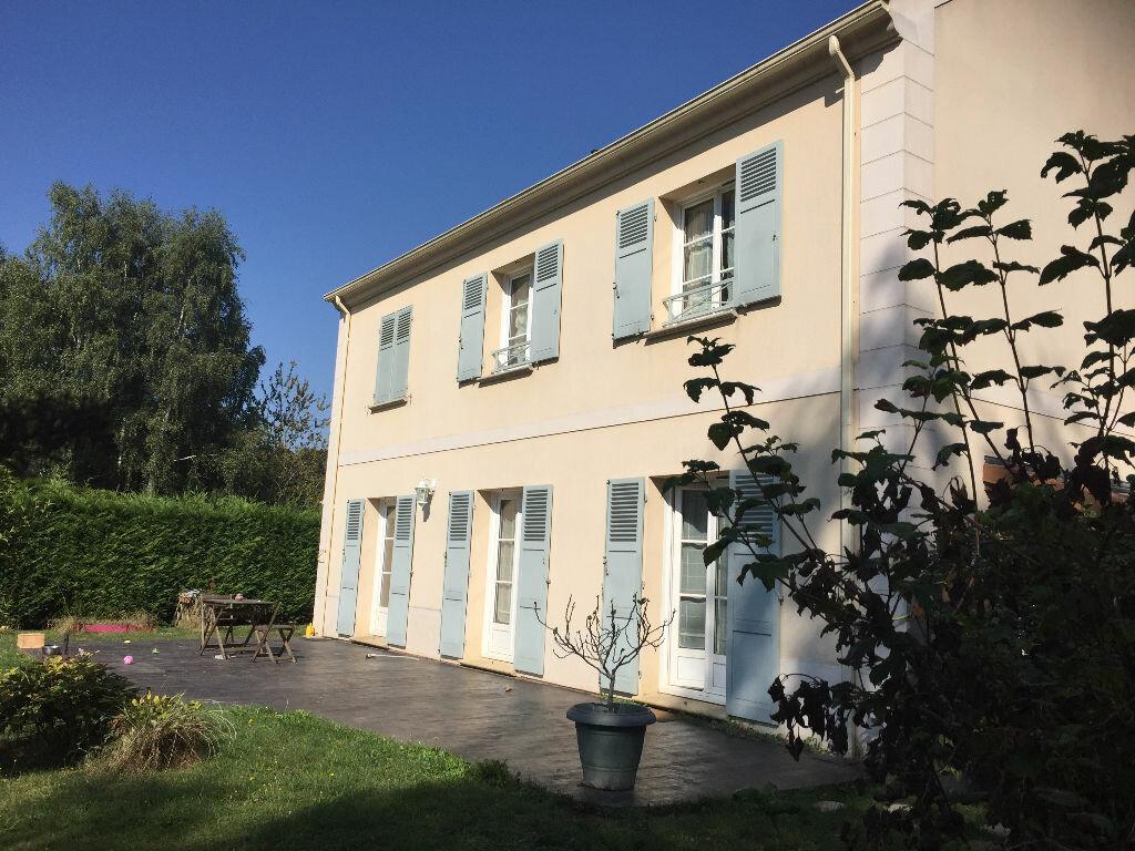 Achat Maison 7 pièces à Saint-Arnoult-en-Yvelines - vignette-1