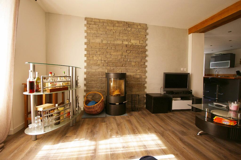 Achat Maison 4 pièces à La Celle-les-Bordes - vignette-5