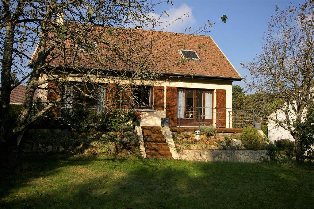 Achat Maison 6 pièces à Saint-Arnoult-en-Yvelines - vignette-1