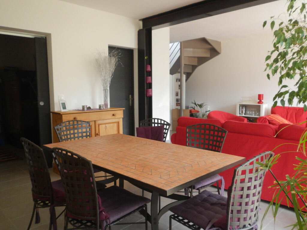 Location Maison 6 pièces à La Celle-les-Bordes - vignette-3