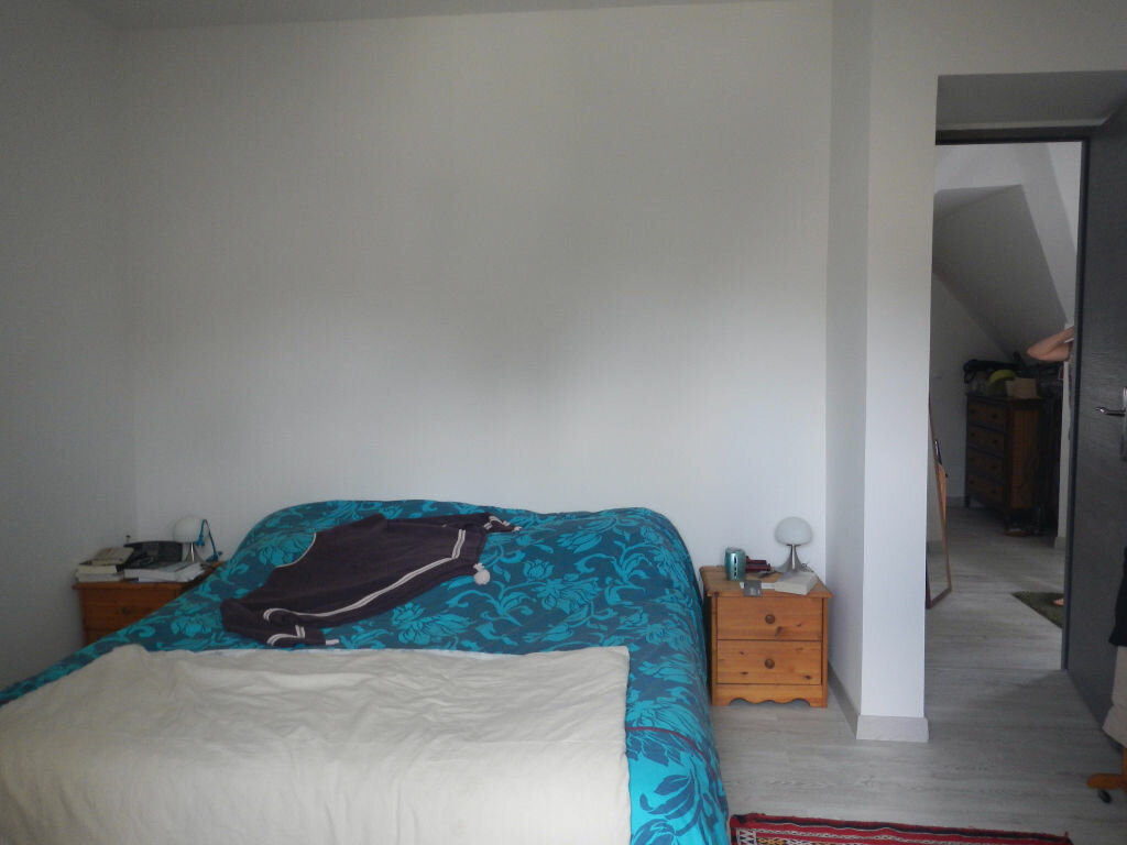 Location Maison 6 pièces à La Celle-les-Bordes - vignette-8