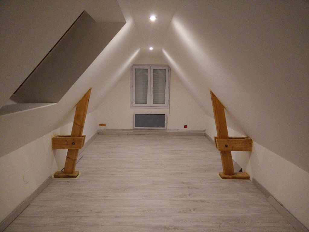 Location Maison 6 pièces à La Celle-les-Bordes - vignette-9