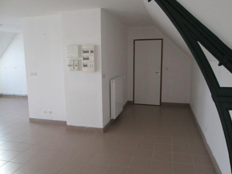 Location Appartement 4 pièces à Danizy - vignette-2