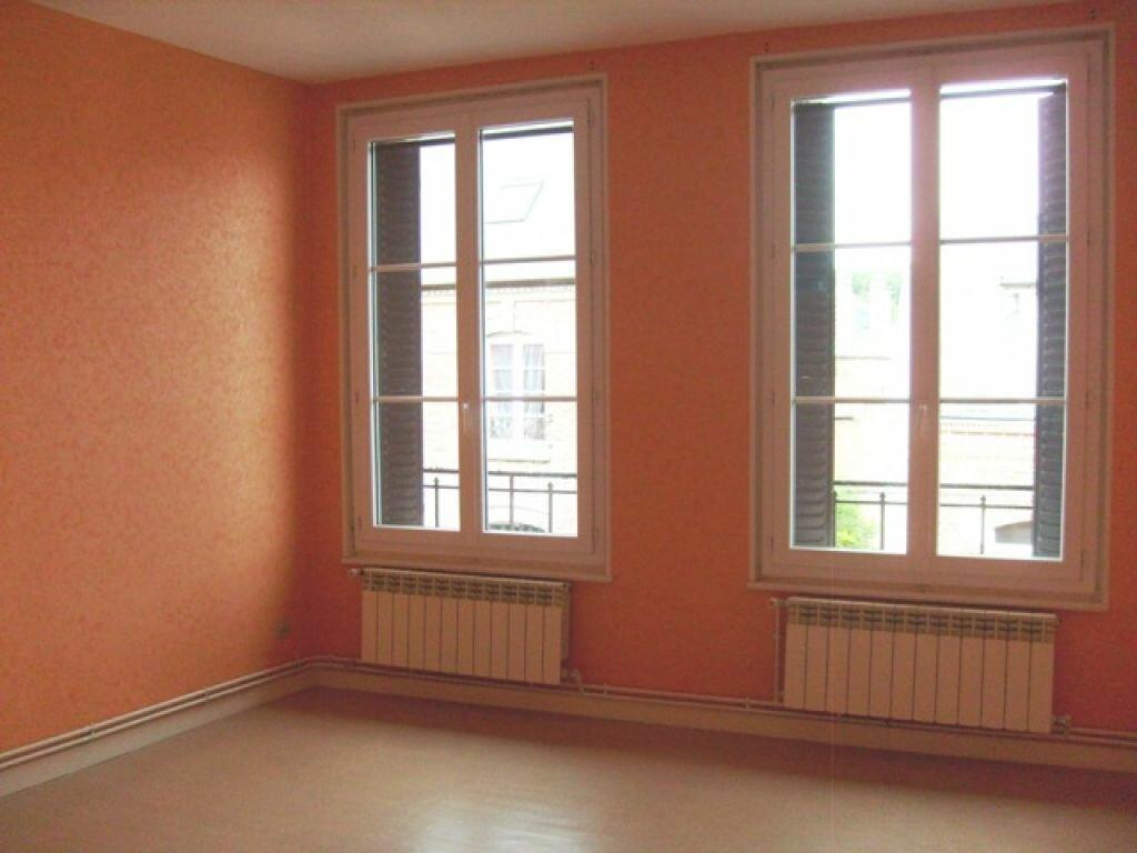 Location Appartement 4 pièces à La Fère - vignette-1