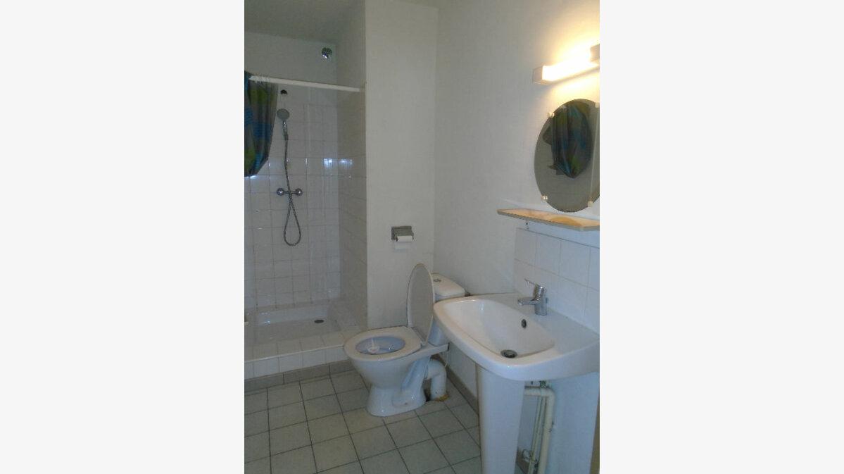 Location Appartement 3 pièces à Jussy - vignette-8
