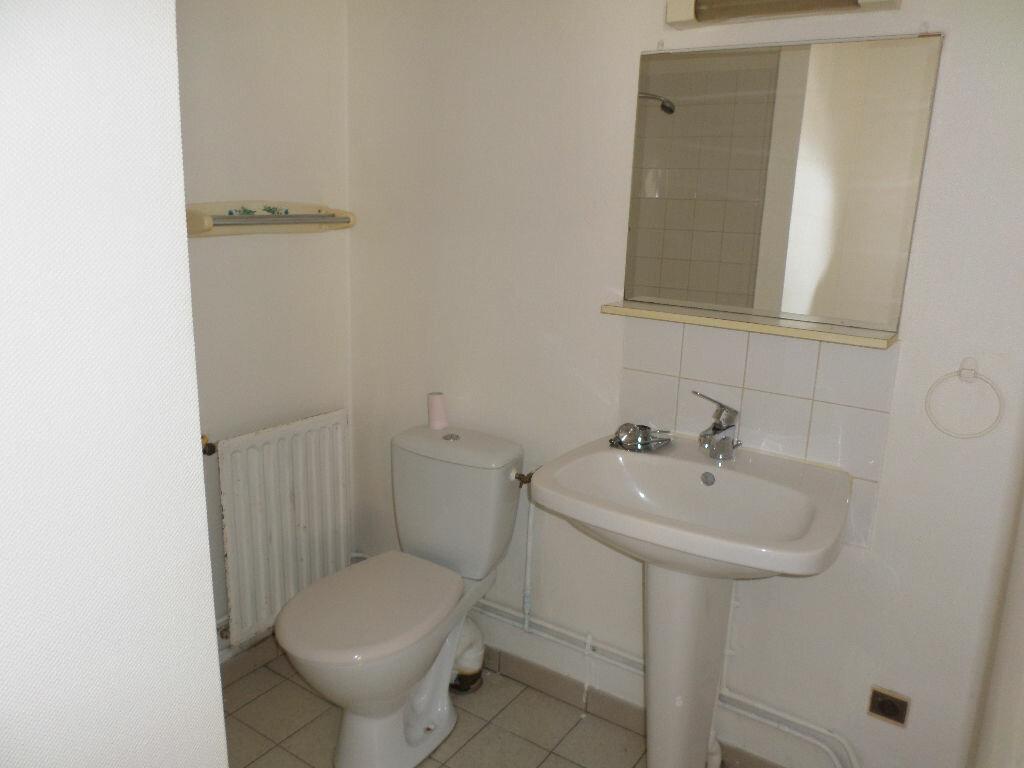 Location Appartement 1 pièce à Jussy - vignette-4