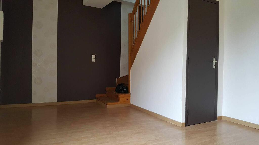 Location Appartement 3 pièces à La Fère - vignette-1