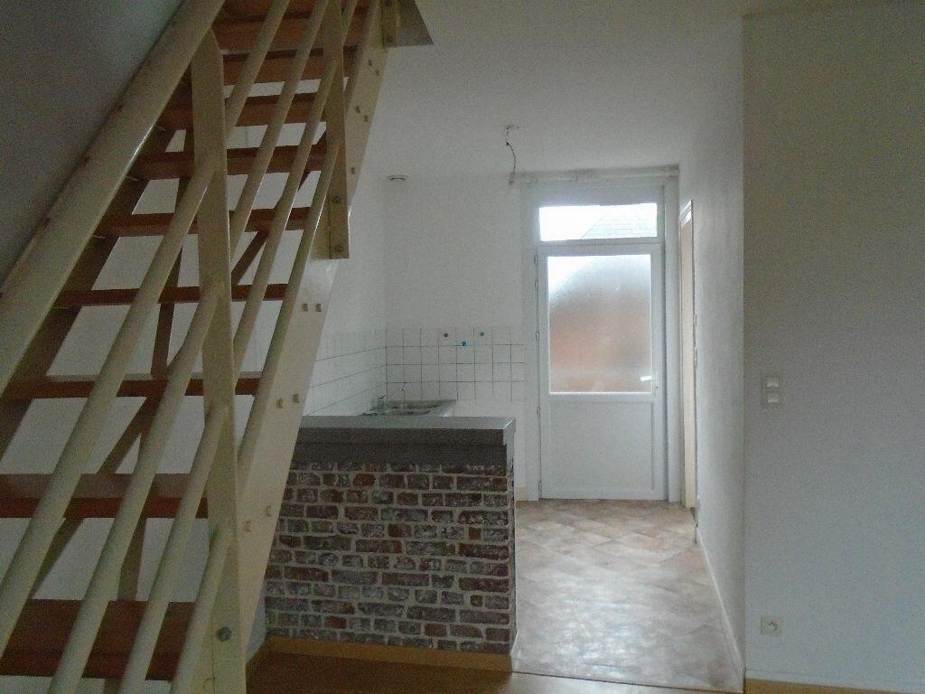 Location Appartement 3 pièces à Flavy-le-Martel - vignette-1