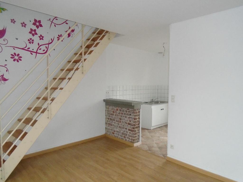 Location Appartement 3 pièces à Flavy-le-Martel - vignette-2