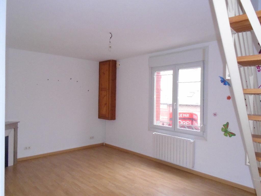 Location Appartement 3 pièces à Flavy-le-Martel - vignette-3