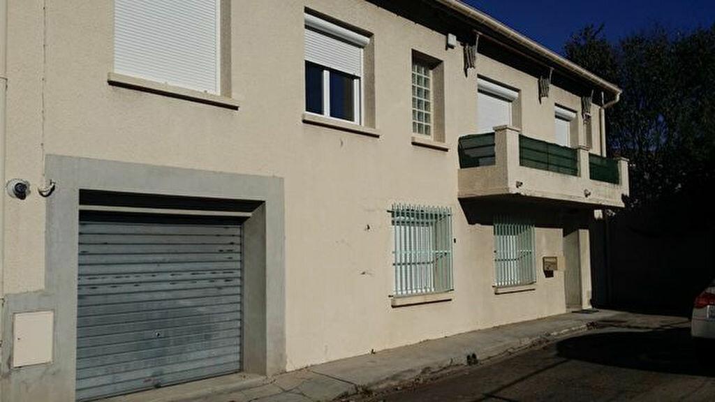 Location Maison 5 pièces à Nîmes - vignette-1