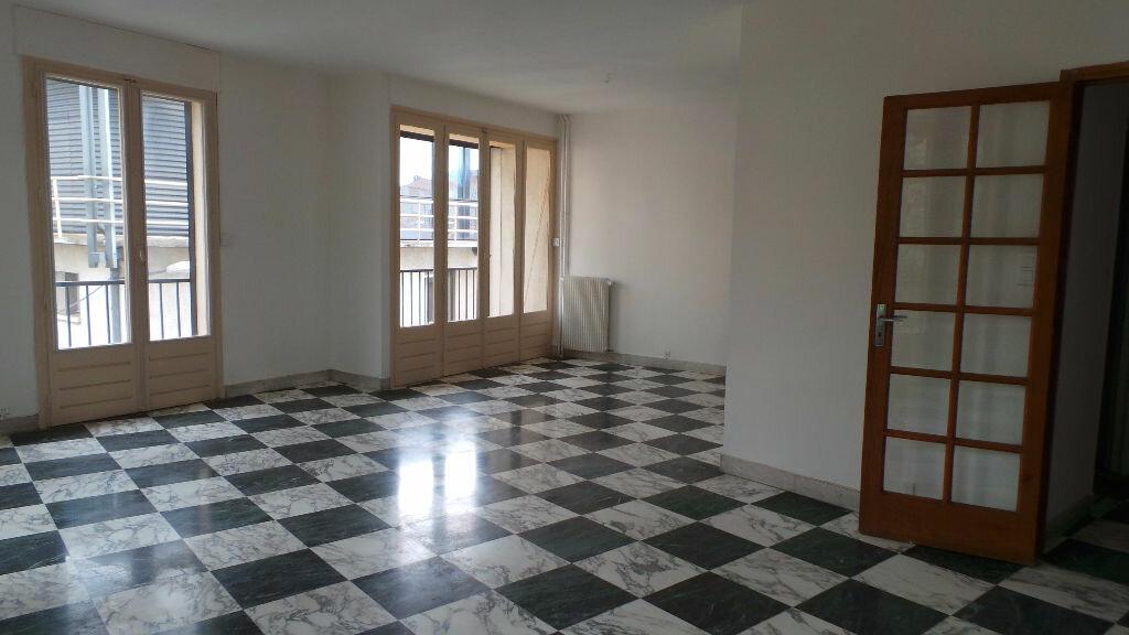 Achat Appartement 5 pièces à Nîmes - vignette-1