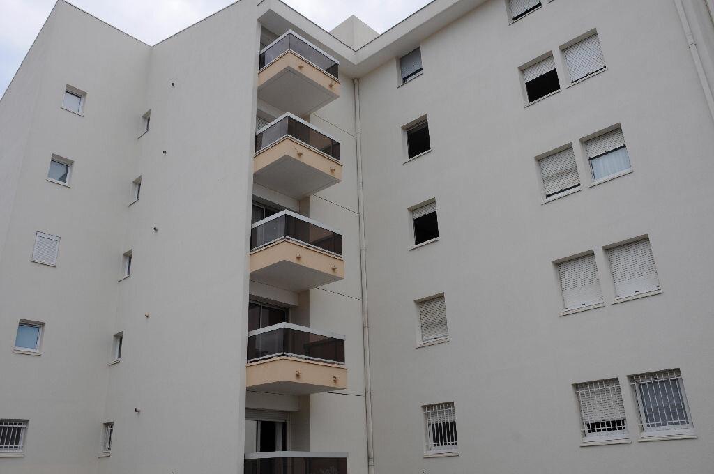 Achat Appartement 1 pièce à Nîmes - vignette-1
