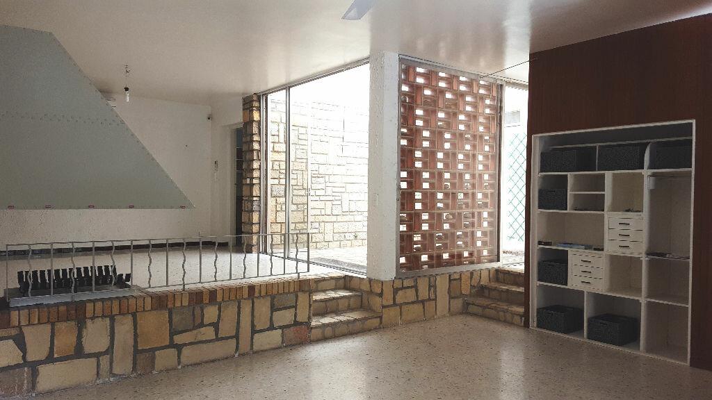 Achat Maison 8 pièces à Nîmes - vignette-4