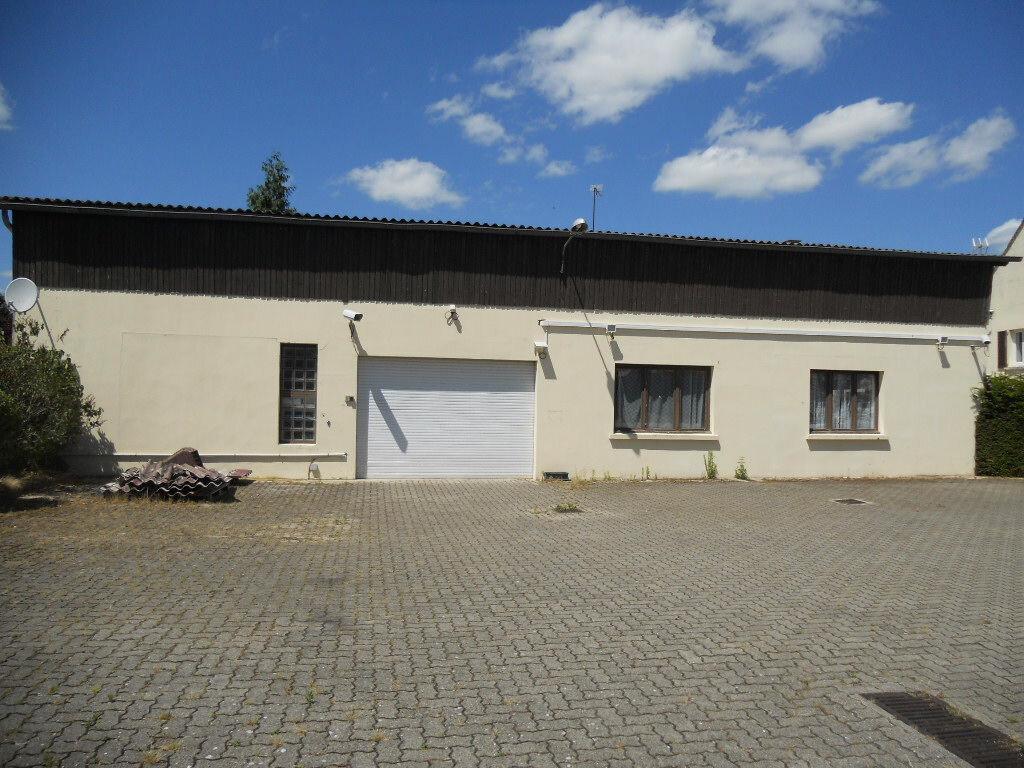 Location Local d'activité  à Agnetz - vignette-1