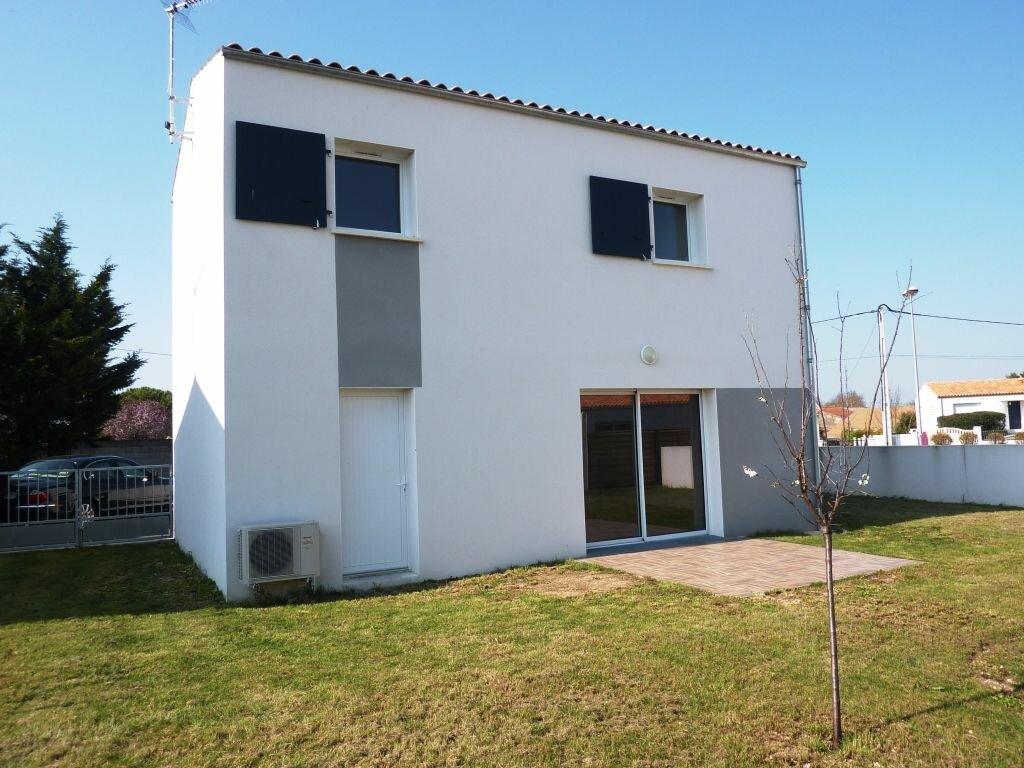 Location Maison 4 pièces à Sainte-Soulle - vignette-1