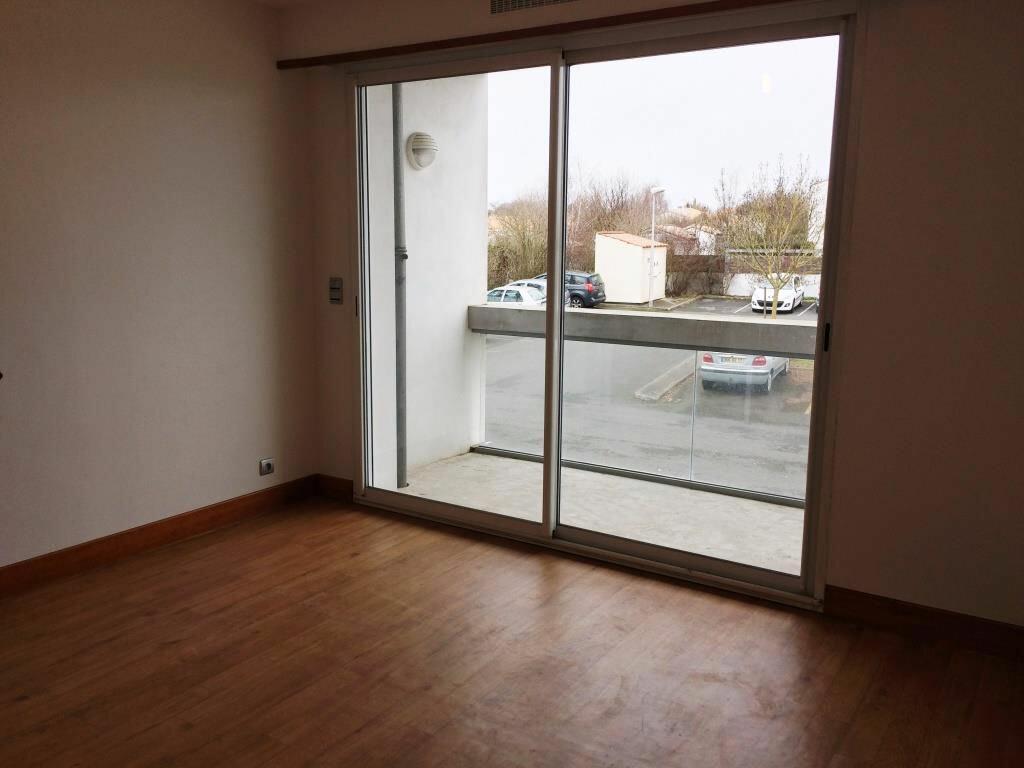 Location Appartement 2 pièces à Périgny - vignette-1