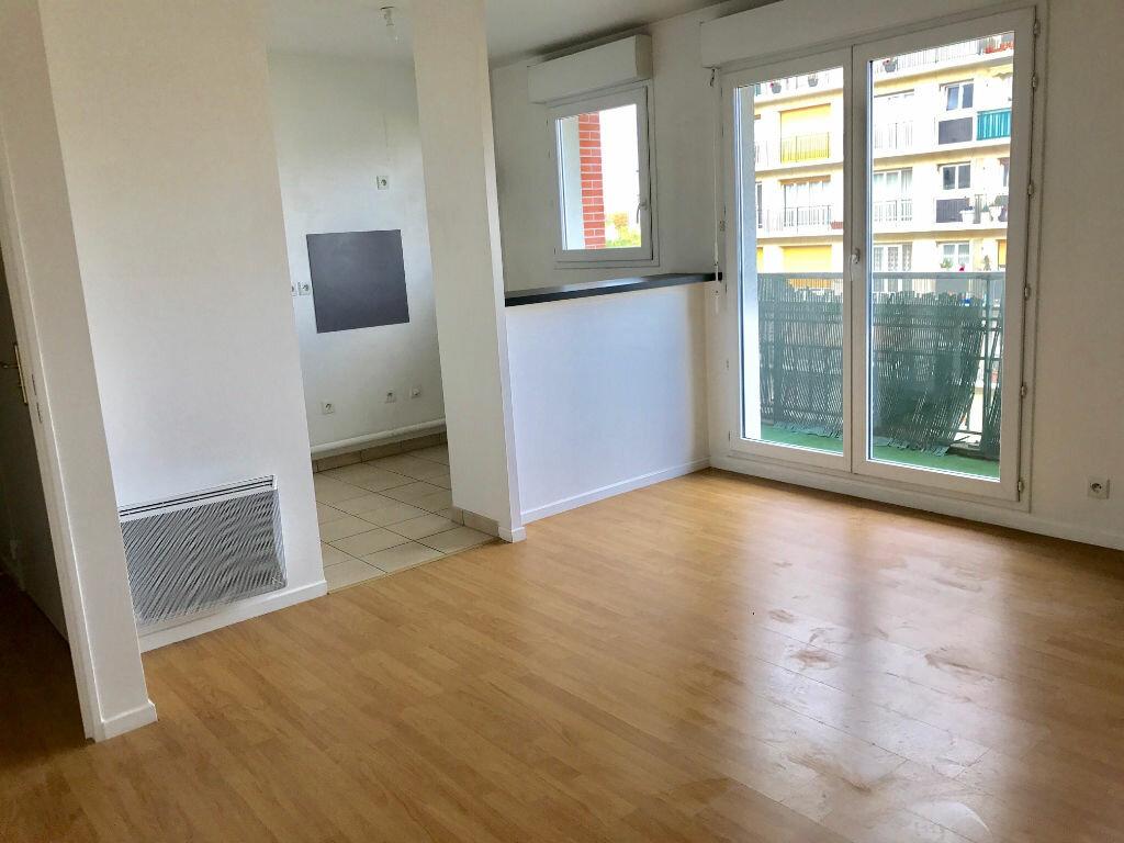 Location Appartement 2 pièces à Saint-Denis - vignette-1