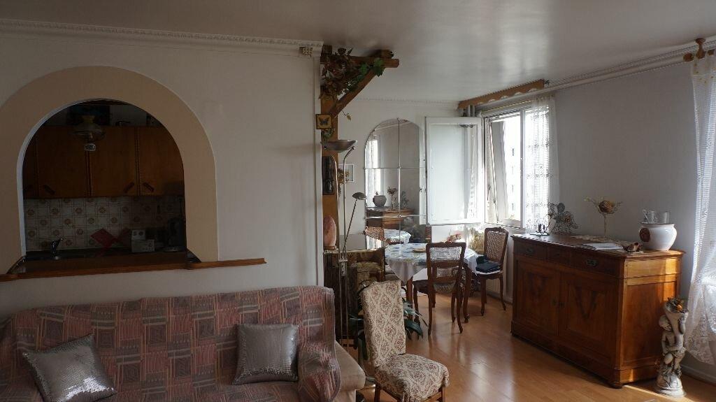 Achat Appartement 4 pièces à Saint-Denis - vignette-3