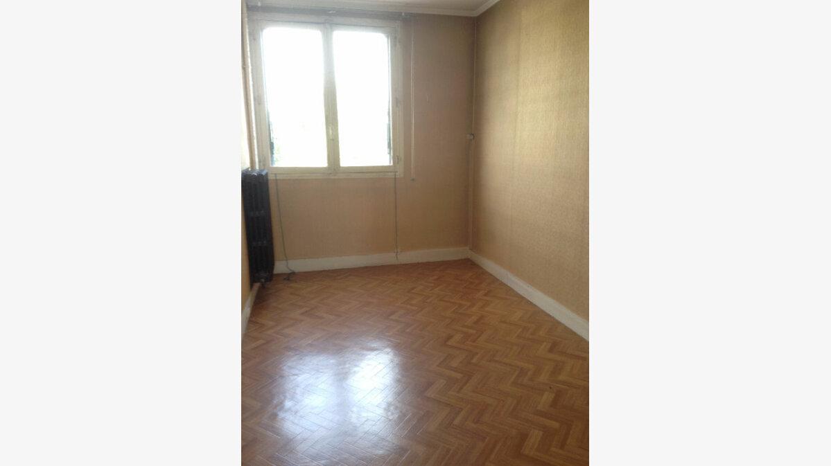 Achat Appartement 5 pièces à Aubervilliers - vignette-5