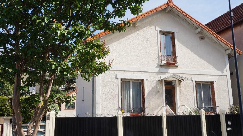 Achat Maison 6 pièces à Pierrefitte-sur-Seine - vignette-1