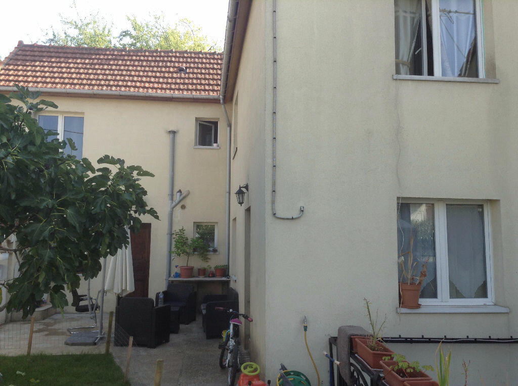 Achat Maison 5 pièces à La Courneuve - vignette-2