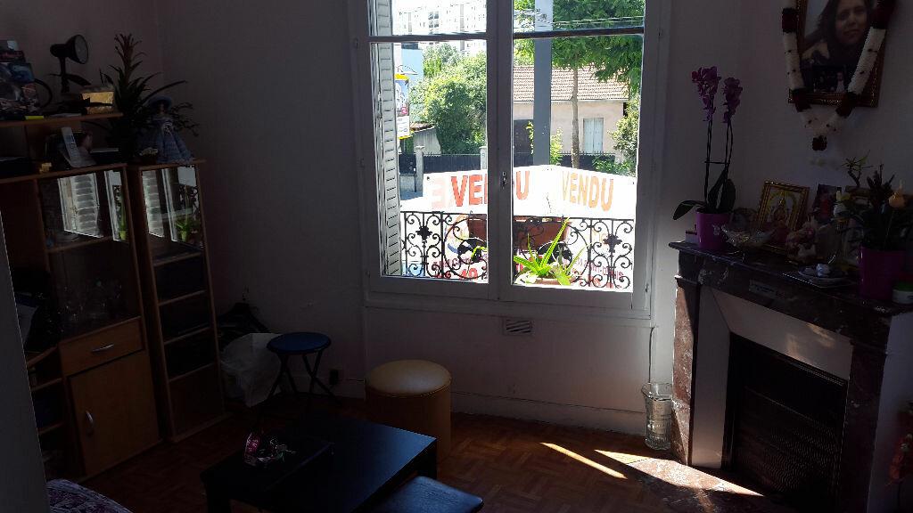 Achat Appartement 2 pièces à Pierrefitte-sur-Seine - vignette-2