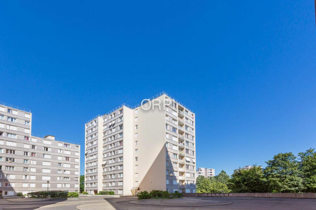 Achat Appartement 3 pièces à Le Val-Saint-Père - vignette-1