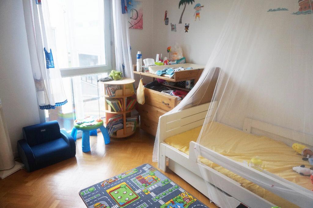 Achat Appartement 3 pièces à Saint-Denis - vignette-2