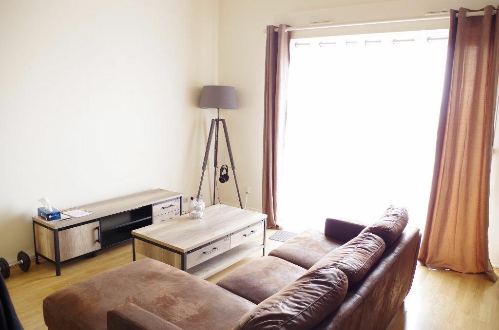 Location Appartement 2 pièces à Roissy-en-Brie - vignette-1