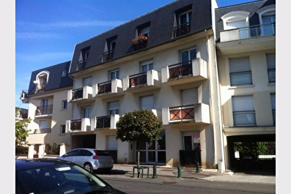 Location Appartement 1 pièce à Pontault-Combault - vignette-1