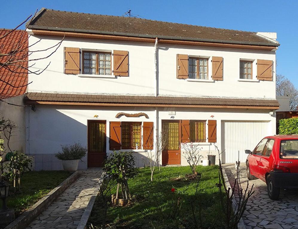 Achat Maison 5 pièces à Roissy-en-Brie - vignette-1